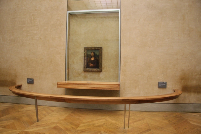 Monna_Lisa_2,_Louvre_October_5,_2009